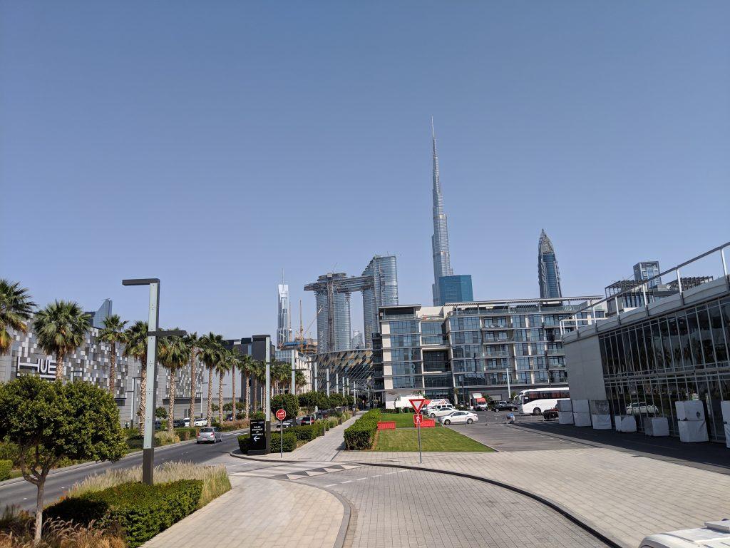dubai world's tallest building view from ground burj