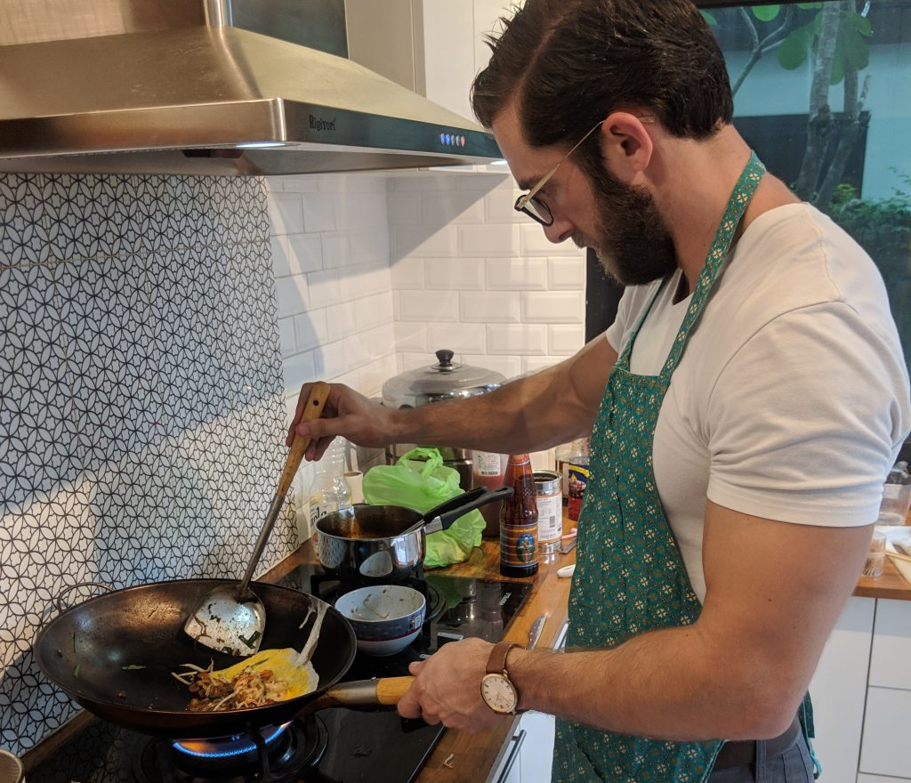 airbnb experience bangkok thailand pad thai cooking
