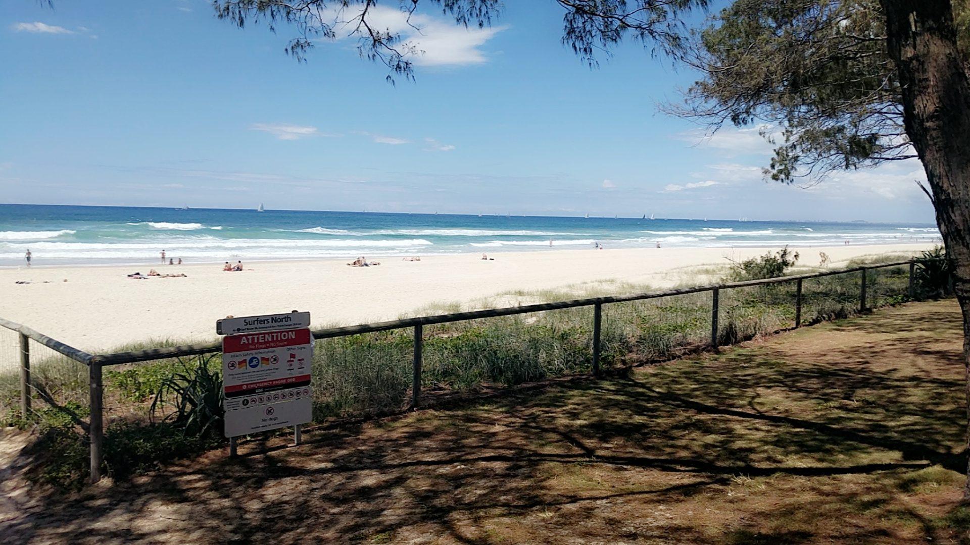 surfers paradise public beach
