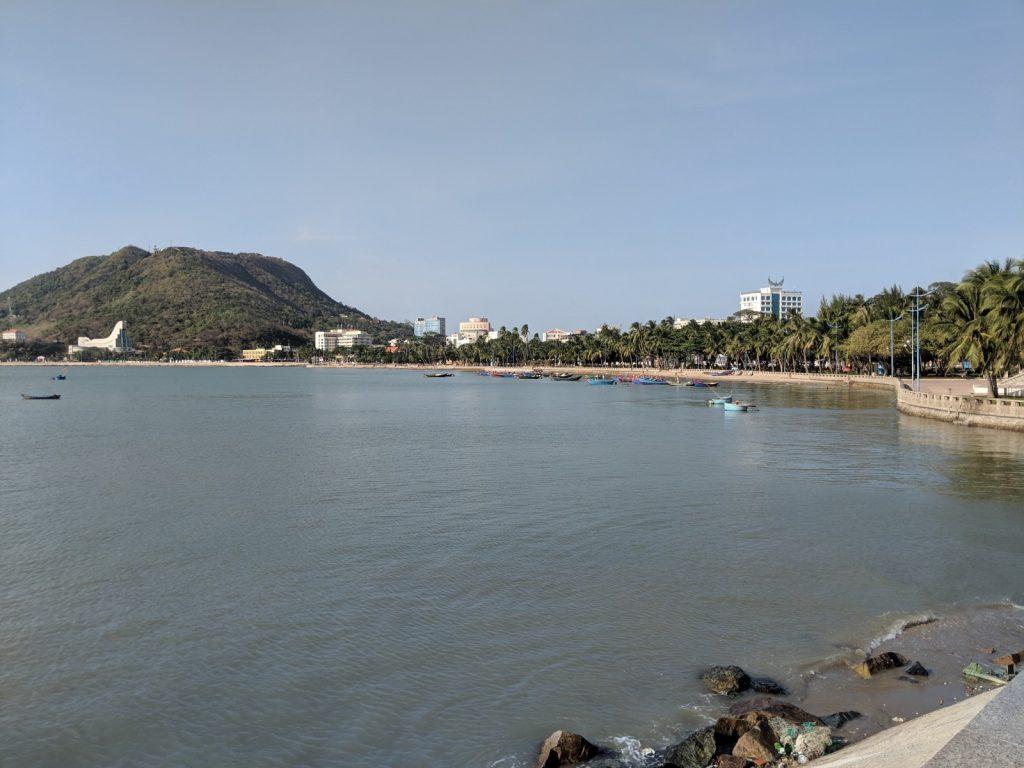 vung tau beach and moutains