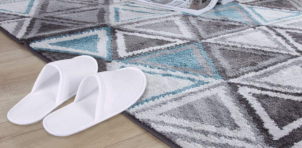 Last Minute Gift Ideas For The Minimalist Digital Nomad slippers