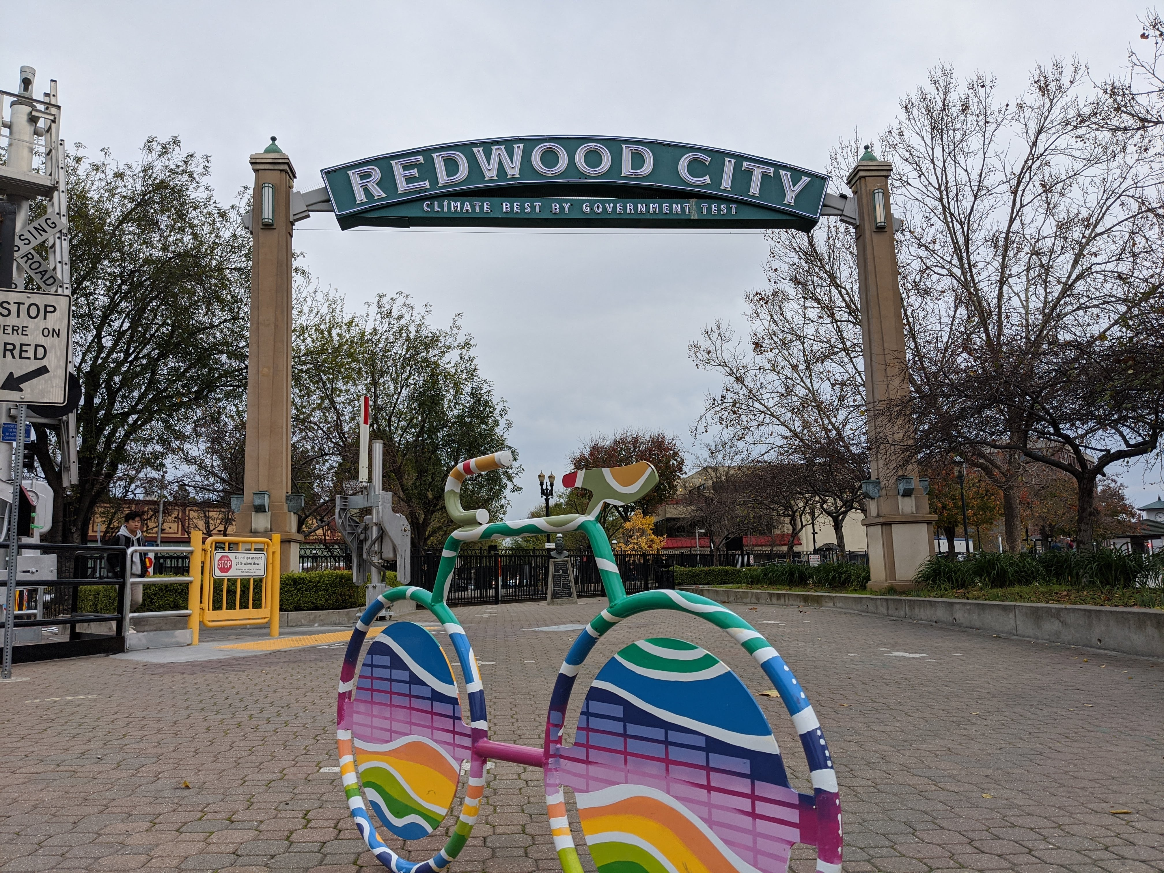 redwood city sign best weather by government test train station